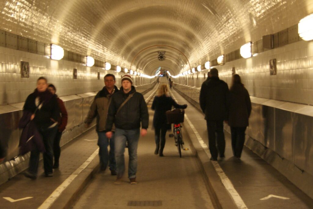 Alter Elbtunnel 1