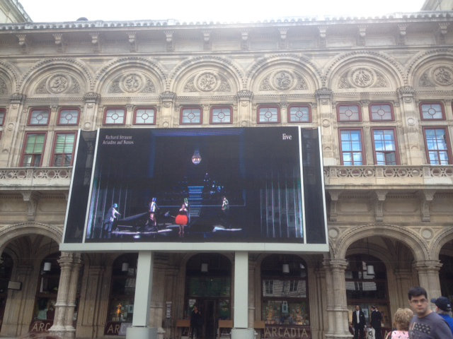 Lilia Wien_SG_Oper_live 2
