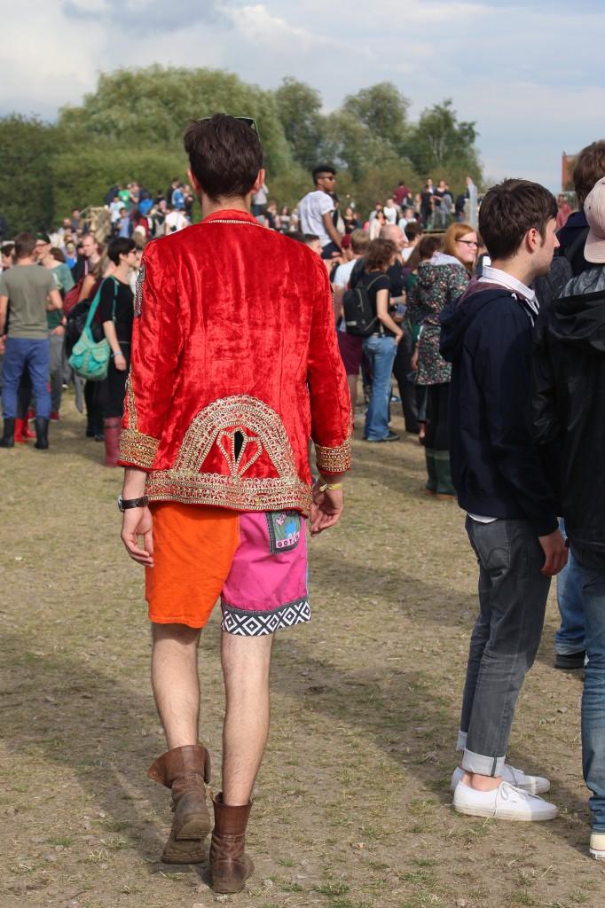 Guy in Fancy Dress at MS Dockville