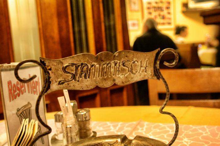 Schnitzelwirt_Stammtisch-w700