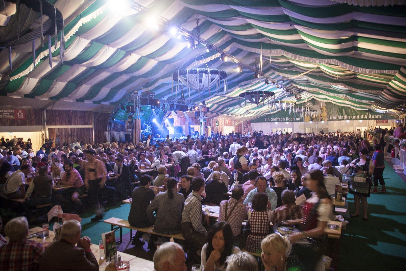 2012 10 01 Wiener Wiesn-Fest Zeltstimmung (c) Faruk Pinjo (94)