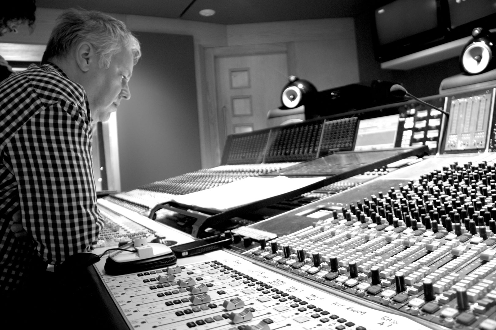 Peter Cobbin Mixing The Basics in Studio 2