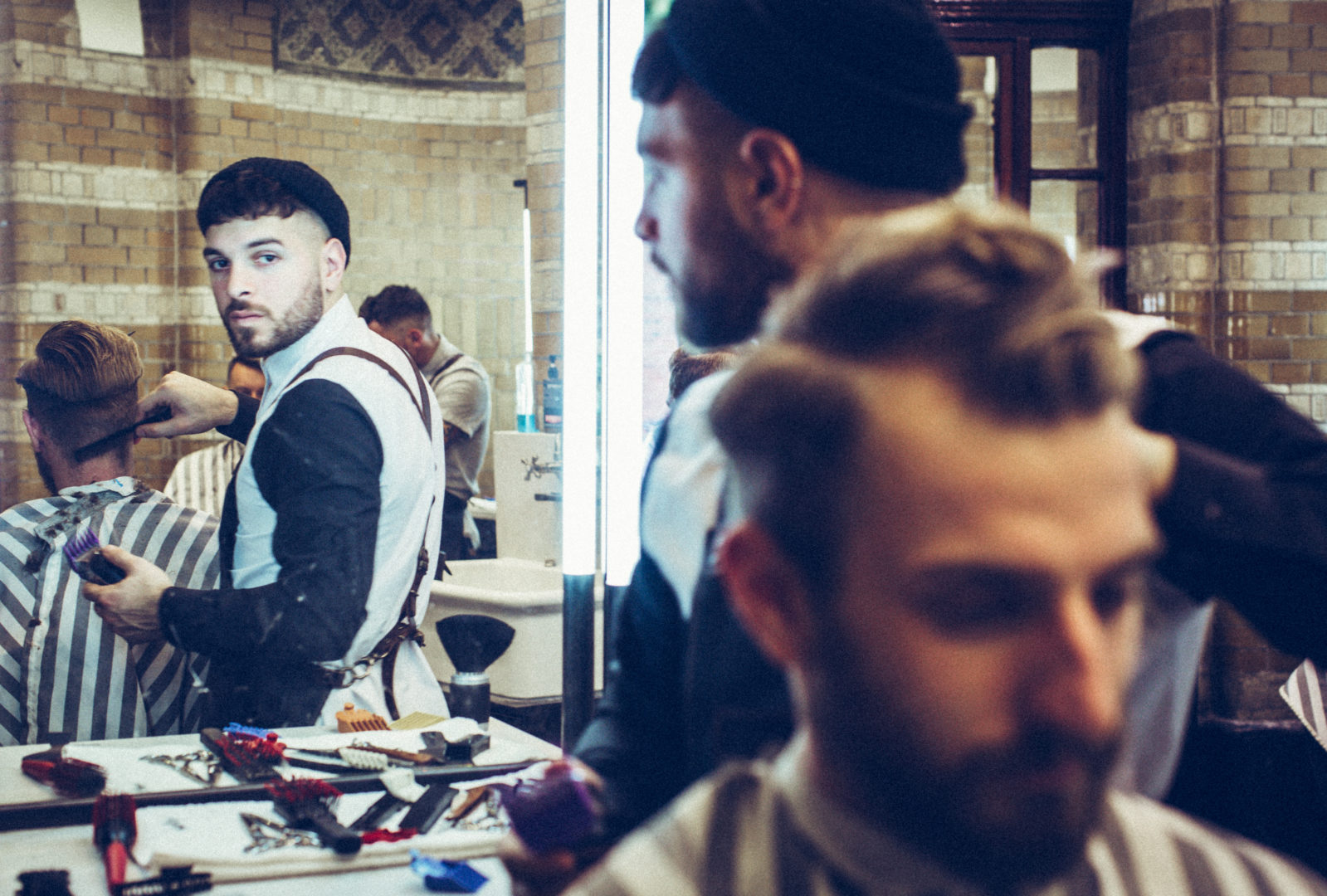 Amsterdam Barbershop – Cut Throat Barber & Coffee