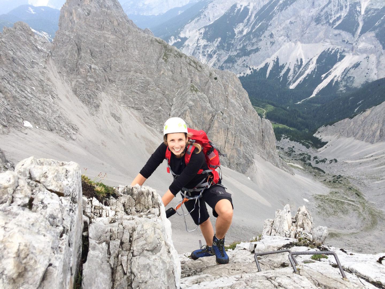 Die Autorin hier im Karwendel am Klettersteig unterwegs