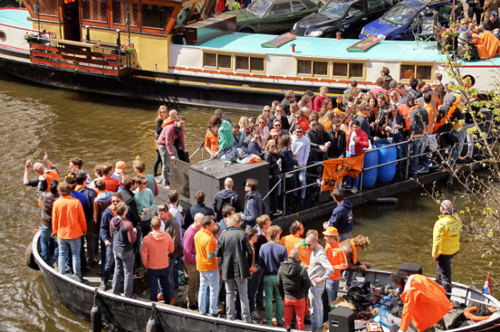 Kingsday_Amsterdam_Boote5