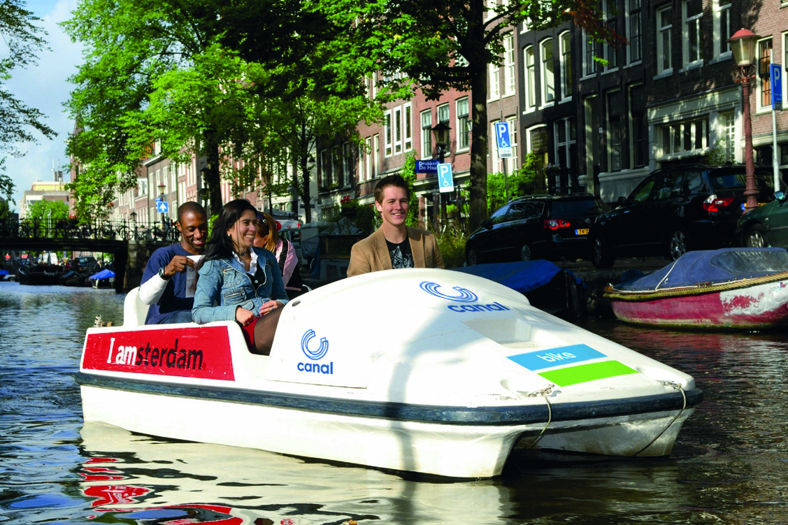 (c) Canal Company B.V.