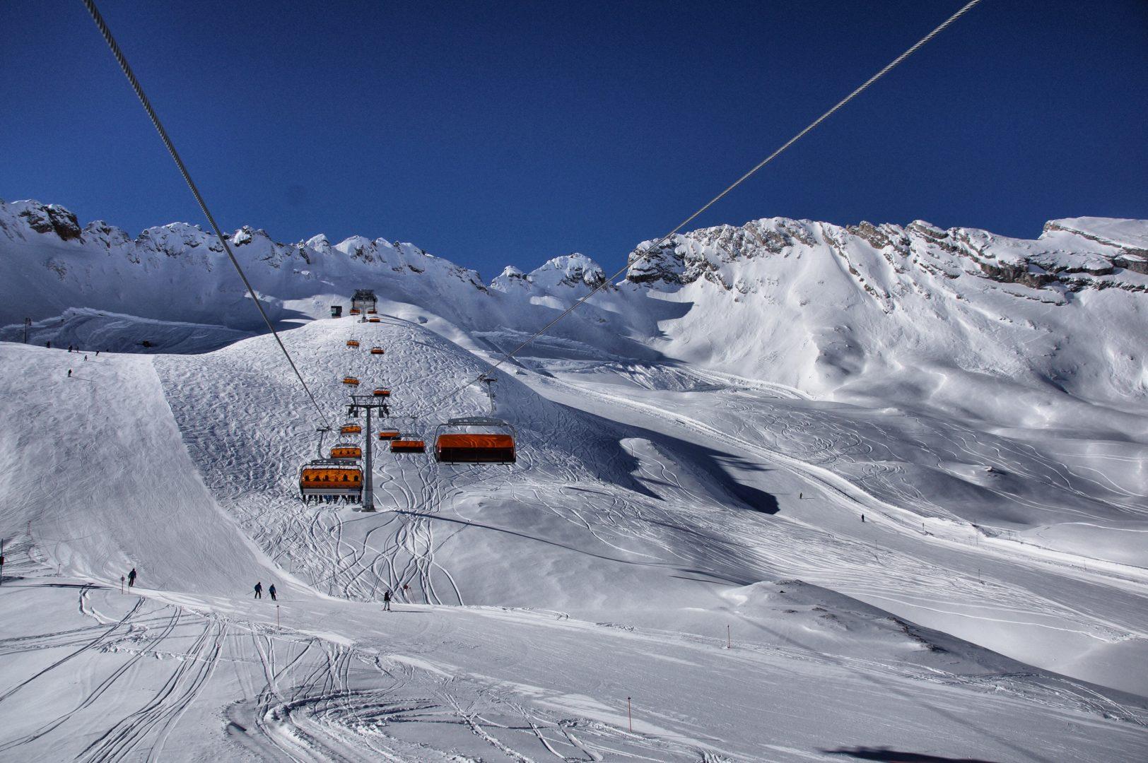 Mit dem Zug ins Skigebiet