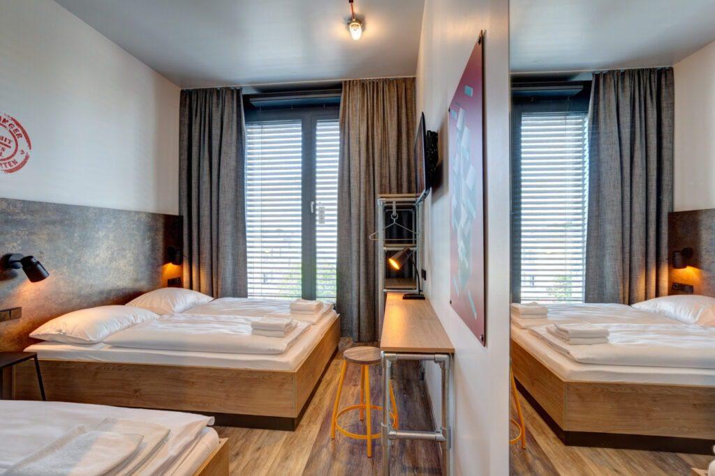 Doppelbettzimmer im MEININGER Hotel Tiergarten