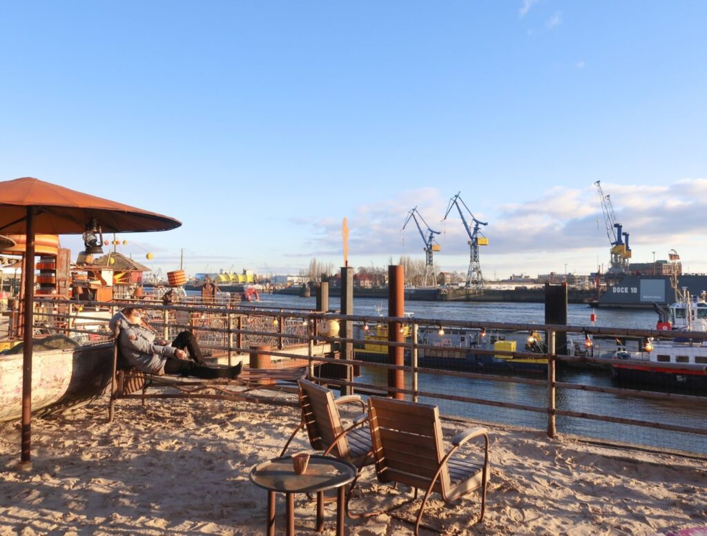 What to do in Hamburg, Strand Pauli Bar