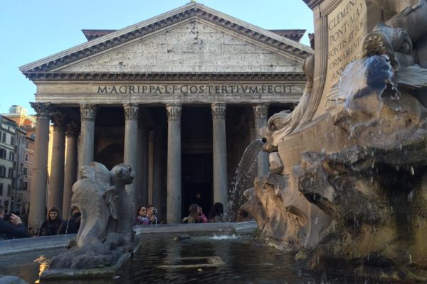 Eat Near Rome´s Monuments, Trevi Fountain